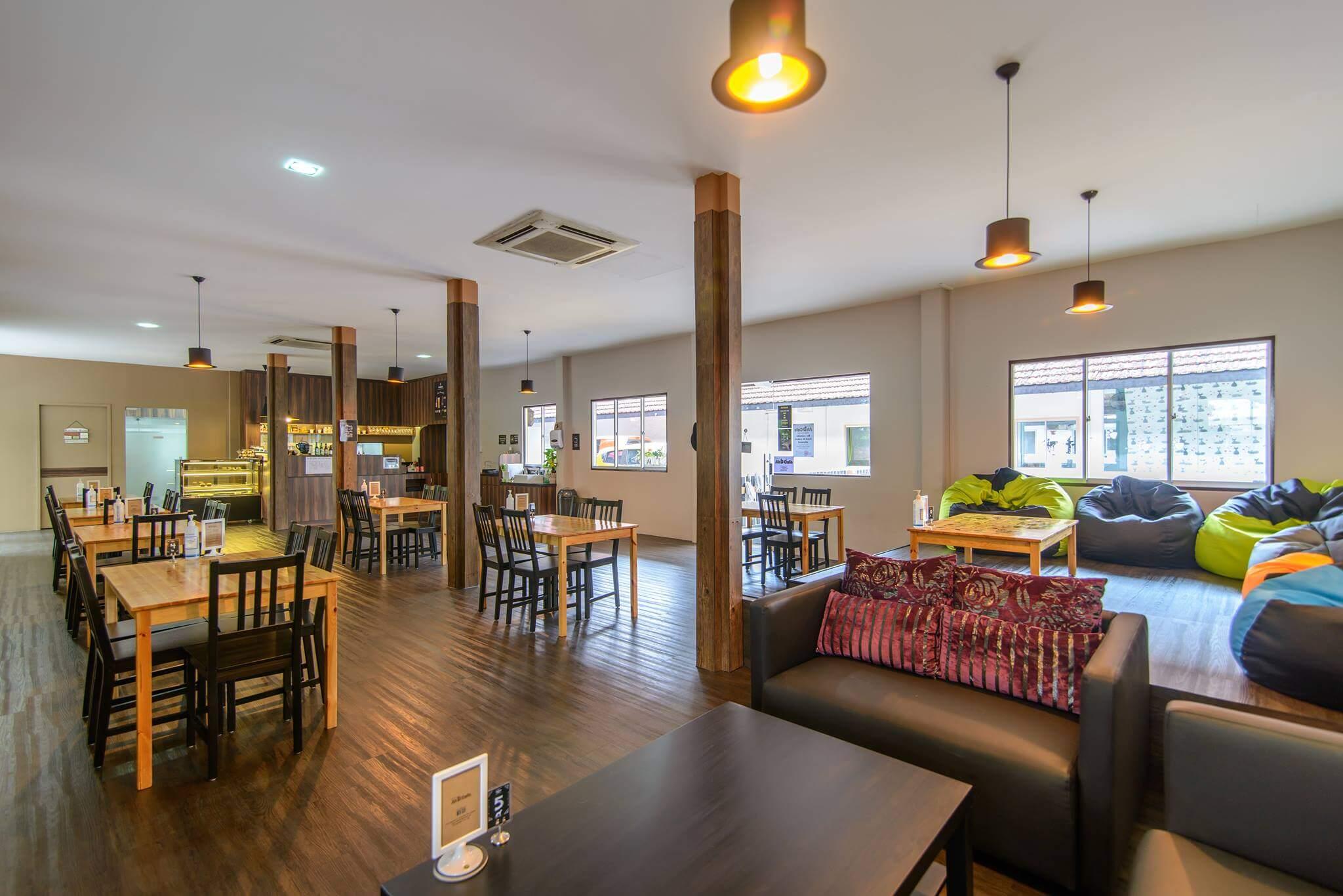 Ah B Cafe Interior | Vanillapup